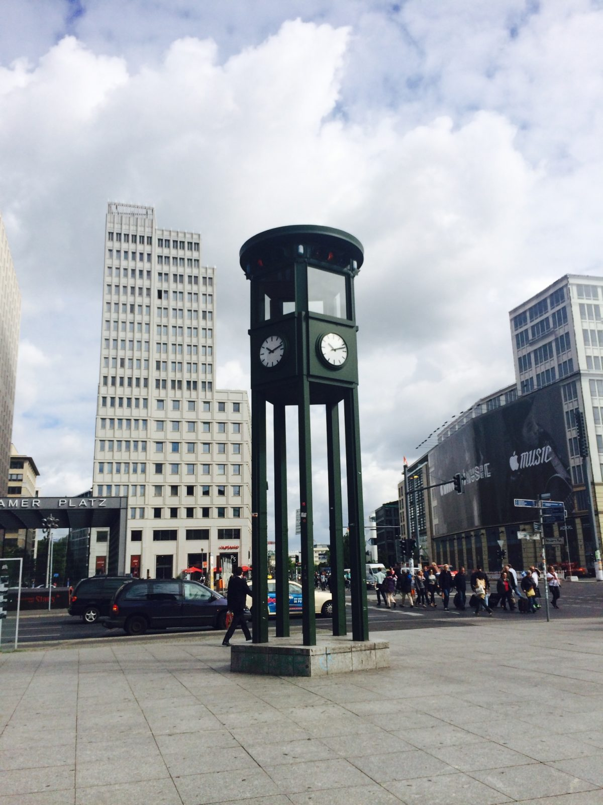 First traffic light in continental Europe