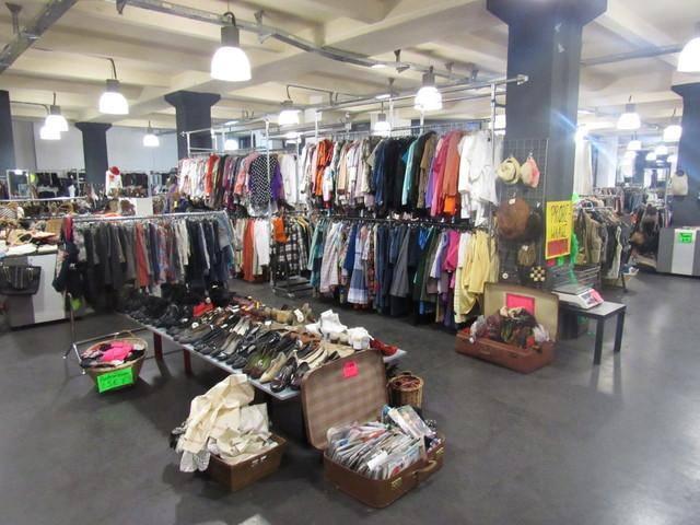 colours vintage store berlin