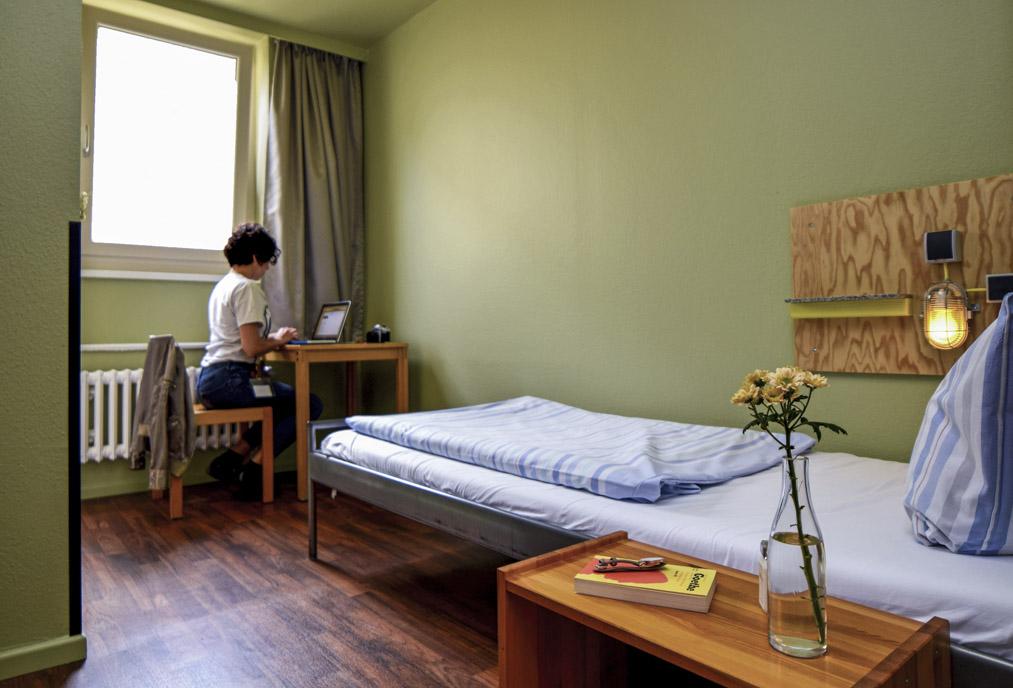 einzelzimmer mit bad Amstel House Hostel Berlin